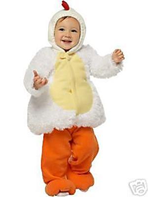 цыплята и белые бывают, главное, это гребешок красный и красные колготки(ножки) .